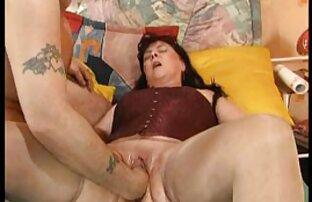 एक अच्छी तरह से लायक हस्तमैथुन लेने फुल सेक्सी मूवी हिंदी में के लिए उसके घुटनों पर प्रेमिका